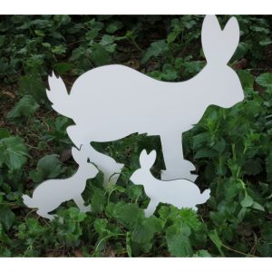 Sagoma da giardino con lepre e 2 leprotti